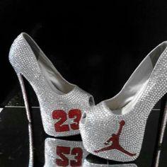 Jordan heels                                                                                      Ⓙ_⍣∙₩ѧŁҝ!₦ǥ∙⍣ Jordan Shoes For Women, Jordan Heels, Roshe Run, Sneaker Heels, Sneakers, Dream Shoes, Beautiful Shoes, Pretty Shoes, Heeled Boots