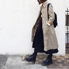 Definitely,something I would wear in public! I love the trench with the skirt and especially the boots! Retro Outfits, Cool Outfits, Casual Outfits, Dr. Martens, Modest Fashion, Fashion Outfits, Japan Fashion, 2000s Fashion, Fashion Tips For Women