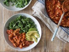 Cannellini Bean Stew - This may be the world's quickest stew, it really only takes five minutes to make! Don't worry though it still has the same warming, comforting, wintery feel. Veggie Recipes, Whole Food Recipes, Vegetarian Recipes, Cooking Recipes, Healthy Recipes, Healthy Foods, Deliciously Ella Recipes, Deliciously Ella With Friends, Chili