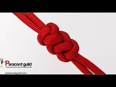 In this tutorial I show you how to tie a snake knot. The knot has many uses in r… In this tutorial I show you how to tie a snake knot. The knot has many uses in rope crafts, from making bracelets, lanyards, to even making dog leashes and z… Paracord Tutorial, Bracelet Tutorial, Bracelet Fil, Bracelet Knots, Paracord Bracelets, Rope Knots, Macrame Knots, Micro Macrame, Lanyard Knot