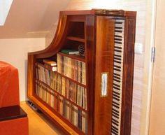 Piano boekenkast