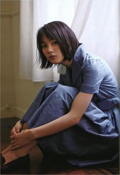 [Rena Nōnen] Hey, I'm Yoshino and I'm 17. My friends used to call me Yoshi, but I don't really have any anymore... I died... well, I don't actually remember. I have asthma, so I was thinking that could be it, but I don't know.