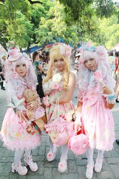 Grown-up women dressing up like little girls or dolls and looking like them, think its sick & very bizarre ~ Sweet lolita. Japanese street fashion... Lolitas.