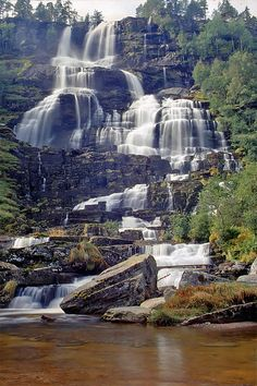 Tvindefossen in Voss, Norway. Shared by Edith Cruz Beautiful Waterfalls, Beautiful Landscapes, The Places Youll Go, Places To See, Norway Viking, Beautiful Norway, Visit Norway, Norway Travel, Jolie Photo