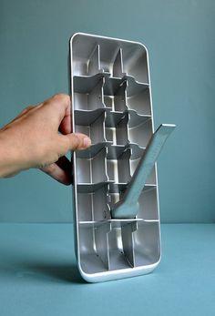 Retro Aluminum Ice Cube Tray - General Electric. via Etsy.