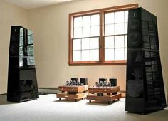 High end audio audiophile music listening room High End Speakers, High End Audio, Audio Speakers, Music Man Cave, Audiophile Music, Sound Room, Loudspeaker, Living Room Sets, Layout