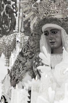 Nuestra Señora de la Esperanza de Triana  Semana Santa de Sevilla 2013  #photography #Sevilla