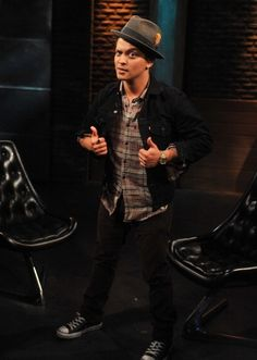 Bruno Mars - FUSE TV - 08.12.2010
