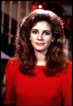 Julia Roberts in 'Steel Magnolias' (1989) - sporting the ultimate '80s beauty queen hair!! poufed up by Truvy, I'm sure