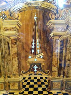 TRIER : carpentry inlaid in a church there