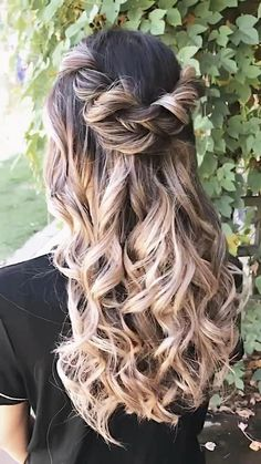Hair by Kaelyn Christine creating a hairstyle to fit your version of beautiful. A romantic updo, boho braids, or beachy waves. Short Hair Trends, Short Hair Styles, Boho Hairstyles, Wedding Hairstyles, Bridesmaids Hairstyles, Simple Elegant Hairstyles, Long Hair Video, Hair Color Pink, Half Up Half Down Hair