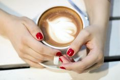 big mamas home blogi | Täydellinen punainen | Jenni S. | Essie Forever yummy