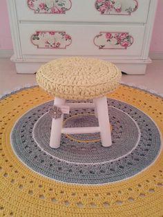 Crochet Carpet, Crochet Home, Knit Crochet, Knitting Accessories, Home Accessories, Crochet Furniture, Knit Rug, T Shirt Yarn, Floor Rugs