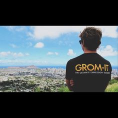 @tristanoverholser representing Grom-it during his surf trip in Hawaii. This is such a sick view! Looking forward to seeing more photos of your surf trip.  Submit photos of you surfing your favorite surf spot this Summer at Grom-it.com Photo Contest! Also check out our Board Art Contests. Prizes from @Grom_it @orionsurfboards @lost9193 @chumsusa and @beyondcoastal_suncare #surfing #longboarding #snowboarding #skateboarding #bodyboarding #wakeboarding #waterskiworld or #Standuppaddleboard…