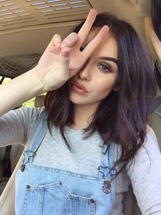 Acacia Brinley wearing a Brandy Melville May Top and makeup from the Urban Decay Naked Palette Acacia Brinley, Tumbrl Girls, Hairstyles Haircuts, Bob Haircuts, Natural Hairstyles, Trendy Hairstyles, Hair Dos, Pretty Face, New Hair