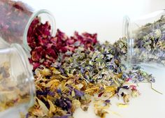 Herbs can be a powerful ally for candle magic, and there are many herbs that we can use to give candle magic a boost. All herbs have connections to elements, planets, candle colors and deities. Here are 5 that work great for candle magick! Bathroom Cleaning Hacks, Household Cleaning Tips, House Cleaning Tips, Deep Cleaning, Cleaning Services, Cleaning Products, Cleaning Solutions, Teacup Candles, Oil Candles