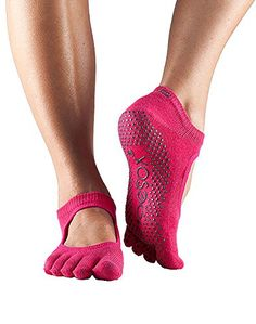 Full Toe Bella Grip Socks by Toesox - The organic cotton toe socks that give the grip and traction you need for workouts where shoes simply weigh you down. Grip Socks, Toe Socks, Yoga Shoes, Ballet Shoes, Workout Attire, Sexy Feet, Leg Warmers, Fitness Fashion, Heeled Mules