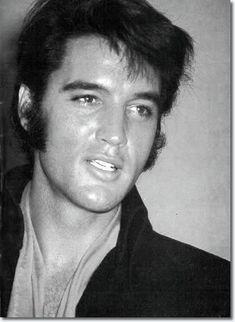 Elvis Death on Pinterest | Graceland, Linda Thompson and Lisa Marie