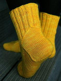 Crochet Socks, Knitting Socks, Knit Crochet, Wool Socks, Crochet Fashion, Cool Patterns, Mittens, Free Pattern, Knitting Patterns