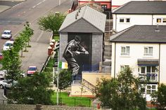 Post here any photos of decent murals, either ones you've seen in person or others you've stumbled across online. Some from Northern Ireland - republi Belfast Murals, Rome Catacombs, Ancient Greek City, Army Day, Animal Bones, Pompeii, Ancient Romans, Banksy, Egypt