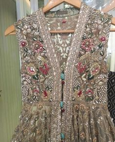 New Pakistan girls Pakistani Formal Dresses, Pakistani Wedding Outfits, Pakistani Dress Design, Indian Dresses, Churidar, Anarkali, Lehenga, Pakistani Couture, Indian Designer Wear