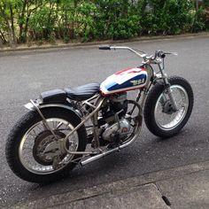 BSA flattrack - by triumph. Vintage Honda Motorcycles, British Motorcycles, Triumph Motorcycles, Custom Motorcycles, Street Tracker, Style Cafe Racer, Tracker Motorcycle, Sr500, Porsche
