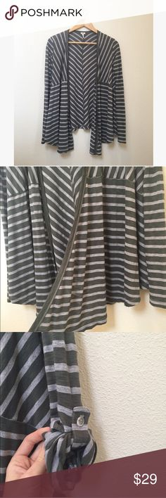 "Splendid Green Gray Striped Cascade Cardigan Green and gray striped open cascade style cardigan by Splendid. Green and grey stripes with long cascading front fabric. Functional buttons on sleeves to roll up. Stretchy and soft cotton/polyester blend.  Great condition. Size small.   25/29"" long, 17"" pit to pit, 25"" sleeves.   No trades, offers welcome! Splendid Sweaters Cardigans"