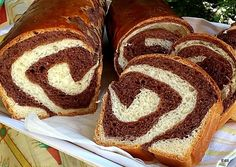 Ring Cake, Hungarian Recipes, Sweet Bread, Hot Dog Buns, Baked Goods, Bakery, Food And Drink, Yummy Food, Sweets