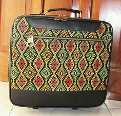 Ikaw woven suitcase idr 1.300.000 Made to order bags and clutch whatsapp +6281310037425