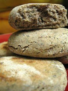 mangeons des p'tits clous » des petits pains de sarrasin aux graines de pavot                                                                                                                                                                                 Plus