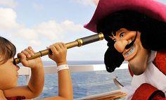 Vacaciones con niños: 6 cruceros para ir con ellos. #cine #vacacionesconiños #cruceros #crucerosdisney #unamamanovata ❤ www.unamamanovata.com ❤ Luxury Boats, Cruises, Vacations, Movies