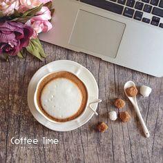 «تفاؤلك ، يُعطيك القُّوة ، ويَزْرعُ فيك الأمَل .. كُن إيجابيًا ..* #iphone5s #cbtl #cappuccino»