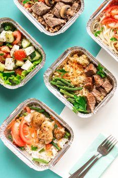 Anticiper ses repas à venir constitue la solution la plus simple pour manger sainement et sans excès. Le principe est simplissime. Chaque week-end, il suffit d'établir la liste de l'ensemble des repas pour la semaine AVANT d'aller faire ses courses. Prévoyez tous vos repas, sans oublier le petit-déjeuner ou la collation, et notez ce dont vous aurez besoin (et rien de plus). Pour commencer, privilégiez des recettes que vous maîtrisez et qui ne vous feront pas vivre un enfer aux fourneaux. Lunch Deals, Sushi Platter, Grilled Prawns, Fast Casual Restaurant, Beef Kabobs, Wild Ginger, Vegetarian Options, Smoking Meat, Edamame