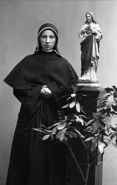 Portrett, nonne, søster Gjertrude.