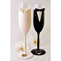 Candle Decorations, Wedding Decorations, 25th Marriage Anniversary, Diy Wine Glasses, Glitter Wine, Wedding Couples, Champagne, Beaded Bracelets, Candles