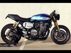 Yamaha Cafe Racer by Roa Motorcycles Cafe Moto, Yamaha Cafe Racer, Yamaha Bikes, Cafe Racer Motorcycle, Cafe Racers, Motorcycles, Modern Cafe Racer, Vintage Cafe Racer, Custom Cafe Racer