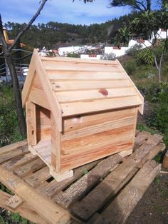 Build a Dog House from Pallets | 99 Pallets