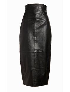 Falda de tubo con talle alto, de Asos (124 €).
