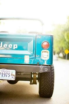 I want this exact jeep. color, model and plate (just not a virginia plate - replace it with florida and I'm in heaven)