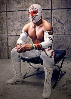 Místico, an exceptionally acrobatic luchador.