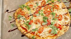 Cauliflower Crust Pizza Is Your Low-Carb Dream Pizza Recipes, Low Carb Recipes, Vegetarian Recipes, Cooking Recipes, Healthy Recipes, Califlour Recipes, Healthy Meals, Delicious Recipes, Cooking Tips