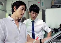 Choi Jin Hyuk Takes Orders From Jung Woo Sung