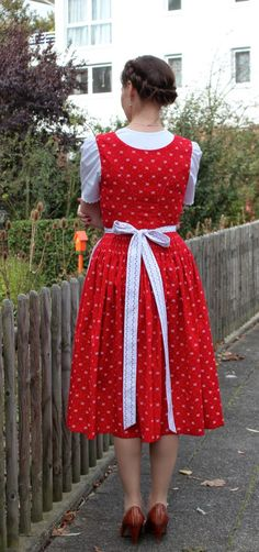 sewing galaxy: Mein Dirndl Apron, Blog, Sewing, Man, Vintage, Clothes, Style, Fashion, Trousers