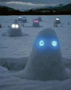Brighten up the snowy humdrum by making some simple snow lumps and placing Glow Sticks as eyes to create an epic army of Glow-Men! http://glowproducts.com/glowsticks/