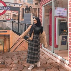Korean style which is awesome hijab remaja rok hijab remaja summer hijab casual hijab casual remaja simple Modern Hijab Fashion, Street Hijab Fashion, Korean Fashion Trends, Muslim Fashion, 90s Fashion, Fashion Outfits, Fashion Tips, Hijab Casual, Ootd Hijab