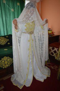 Gallery - Henna By Cocolily Ethnic Home Decor, Wedding Henna, Moroccan Caftan, Wedding Prep, Caftans, Just Amazing, Beautiful Bride, Morocco, Marie
