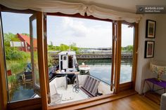 Beautiful,spacious, sunny houseboat in Copenhagen