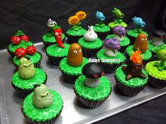 As we're having cupcakes for our cake, then a Plants versus Zombies (PvZ) cake might look more like these cupcakes, although these look more expensive than we'll have the budget for so probably not this good ; Zombie Birthday Parties, Zombie Party, Halloween Birthday, Birthday Ideas, Plants Vs Zombies, Cupcake Toppers, Cupcake Cakes, Plantas Versus Zombies, Zombie Cupcakes