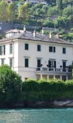 Check out this blog about the Rambler Men's Basketball team in Lake Como!  You can catch up on all the previous blogs at loyolaramblers.com ! Loyola University Chicago, Men's Basketball, Lake Como, Italy, Mansions, House Styles, Check, Blog, Italia