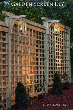24 Unique Garden Trellis Ideas To Enhance Your Outdoors Garden Trellis With Solar Lanterns Landscape Design, Garden Design, Diy Trellis, Privacy Trellis, Trellis Fence, Metal Trellis, Wisteria Trellis, Diy Privacy Screen, Clematis Trellis